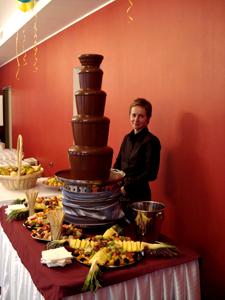Шоколадный фонтан photo