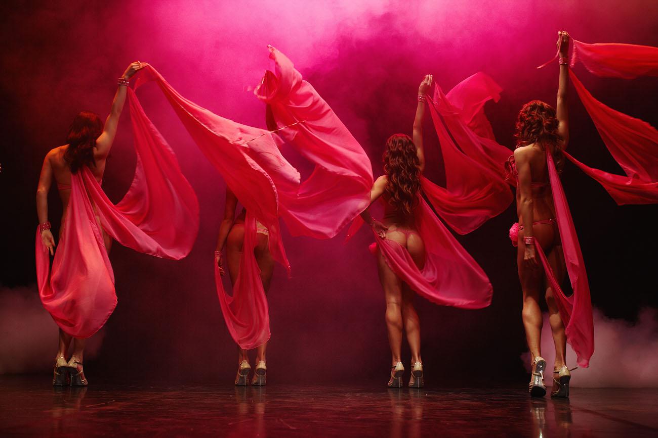 порно танцы в кабаре